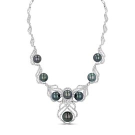 LOT127 BLACK PEARL  DIAMOND NECKLACE