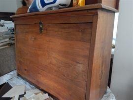 Interesting table top cabinet in oak.