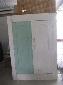 PRIMITIVE COUNTRY FARMHOUSE PAINTED CABINET