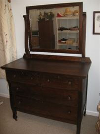 TIGER OAK CHEST OF DRAWERS WITH MIRROR