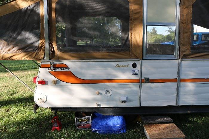 1977 camper. All original. 2nd owners. Great condition.