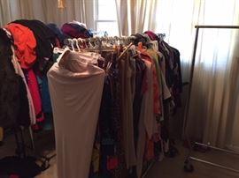 "Tones of ladies clothing / shoes sz 9-9 1/2"""