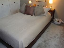 Full Size Bed~Bedding~Lamps