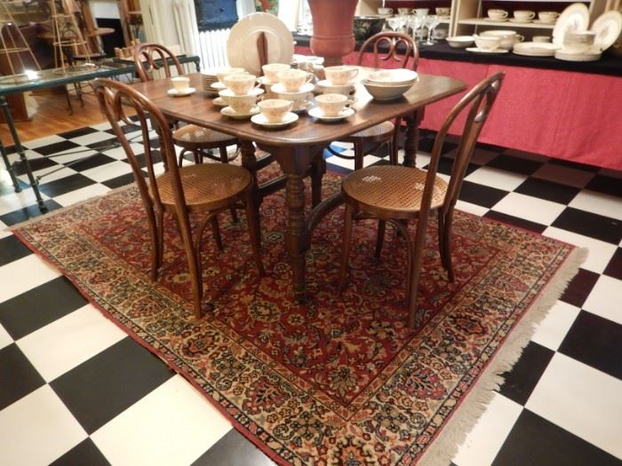 RUGS & TABLES