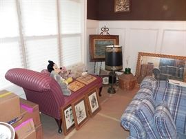 Fainting Couch, Art, Lamp, Easel Picture, Mirror, Matching Couches