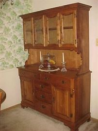 Maple China Cabinet/Hutch