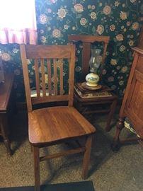 Antique side chair. Solid oak