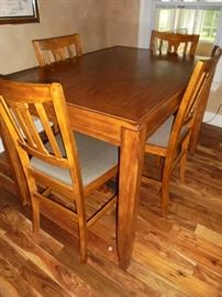 High table w/4 matching chairs