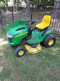 John Deere L118 Limited Edition Lawn Tractor