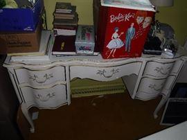 Beautiful Desk - part of a 3 piece set