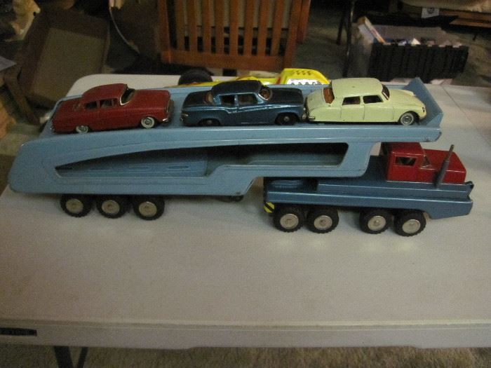 SSS International Car Hauler with cars