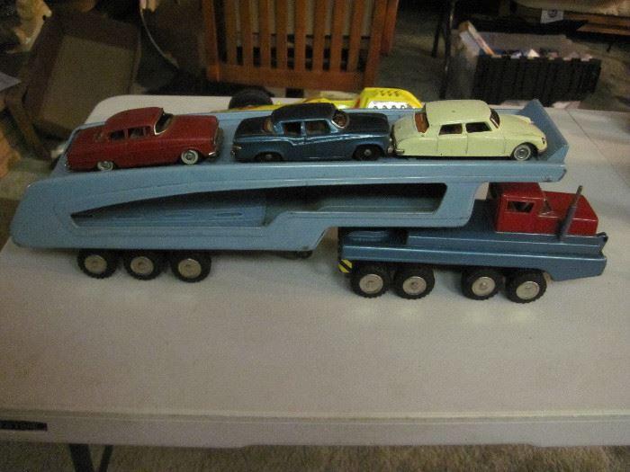 SSS International Car Hauler with cars