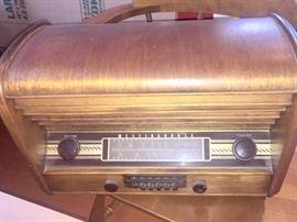 Antique Westinghouse radio