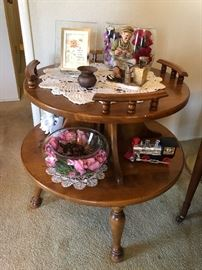 Colonial Style 2 tiered table