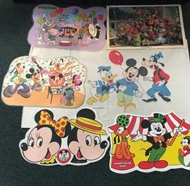 5 Disney & Looney Tunes Vintage Place Mats  http://www.ctonlineauctions.com/detail.asp?id=746641