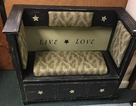 Handmade Live-Love Settee                        http://www.ctonlineauctions.com/detail.asp?id=746650