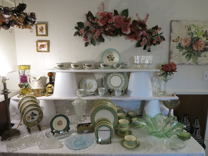 Nice Items, Classic Heritage Green China, Beautiful Green Glass Bowl