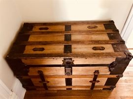 Antique wooden steamer trunk 38lx23hx20d