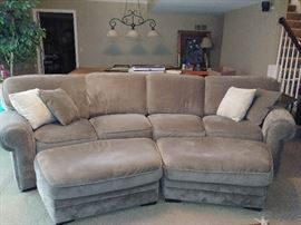 2 pc sectional sofa w/2 ottomans