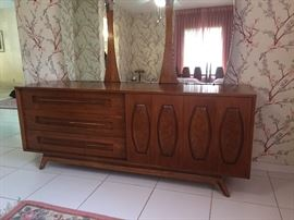 Broyhill dresser with mirror.