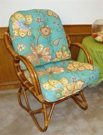"""GREAT RATTAN LOUNGE CHAIR WITH """"NEW PIER ONE CUSHIONS"""" !"""