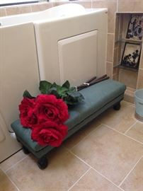 Bed bench and extra BIG roses