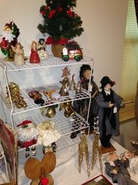 Carolers and other Christmas things