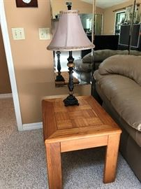 PAIR OF END TABLES W/ LAMPS