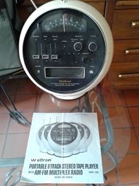 Weltron Vintage 8 Track Player/Radio Model 2001
