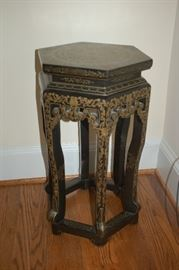 Decorative side table/plant stand
