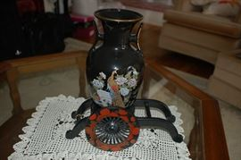 Decorative Urn with display court