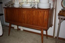 Vintage buffet (Baumritter, New York)