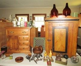 Ethan Allen end table/stand, Antique cupboard, large amber glass bottles, small antiques & collectibles
