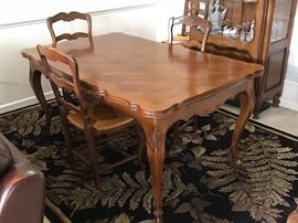 Ornate French Provential dining room table and chairs
