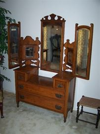 antique dresser, cute