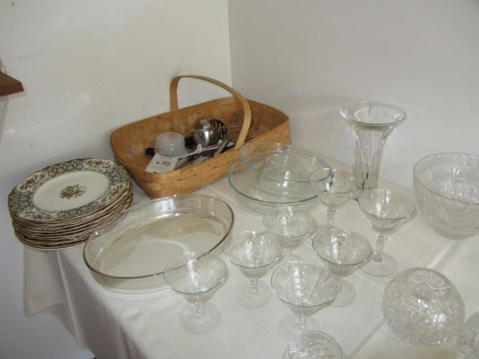 Royal Ducal plates, crystal goblets