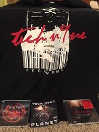 Tech N9ne pack - 2 T-shirts, 2 cd's, and autograph
