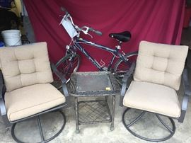 Giant Cypress 19 navy bicycle and patio set
