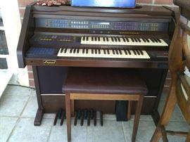 Organ by Estes