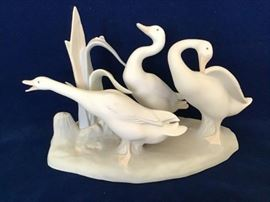 "Lladro Figurine ""Geese Group""                      http://www.ctonlineauctions.com/detail.asp?id=747786"