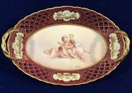 Porcelain Cabinet Bowl     http://www.ctonlineauctions.com/detail.asp?id=747807