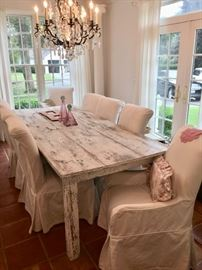 Shabby farmhouse table & 6 covered chairs
