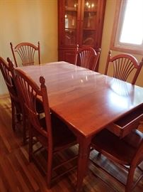 CHERRY HUTCH - TABLE & CHAIRS - LEAVES - CORNER CURIO *** ALL IN GREAT CONDITION