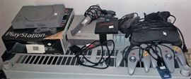 Sony Playstation, NES, Nintendo 64