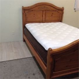 Complete Queen Size Bed Set