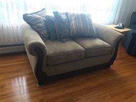loveseat $50