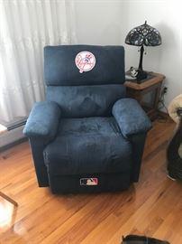 yankee recliner $75