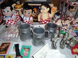 Many vintage Big Boy items