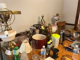 Miscellaneous items. Lamps, both working and non-working for parts