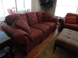 Broyhill Sofa with loose cushions,  like new condition